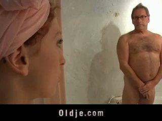 Oldman hotel customer fucks a horny young maid