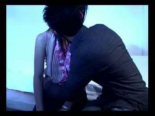 Azijietiškas pora apie jų pirmas seksas video
