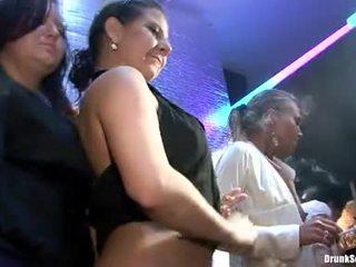 Bibi fox och henne lusty girlfriends har hård kön