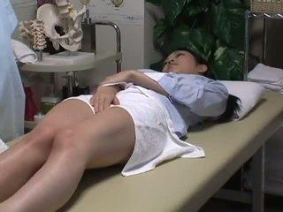 Spycam reluctant เมีย has สนุก ด้วย the masseur