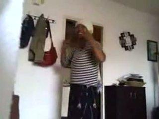 03-cfnm a masturbar com africana casa cleaner