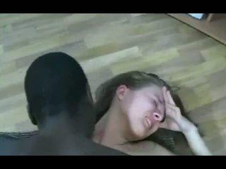 Zwart guy merken blondine tiener