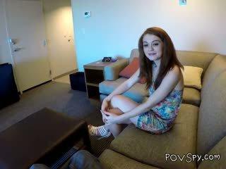 Remaja alice aka ella hughes mengisap kontol dia met di facebook