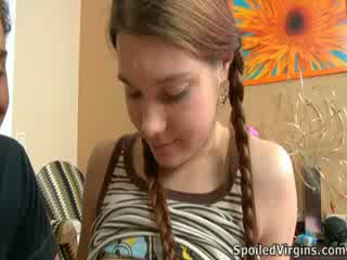 Nina liked hur den pinn playeed med henne bröstvårtor.
