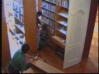 Ryska flicka i bibliotek 1
