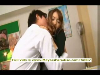 Mihiro nga idol69 aziatike adoleshent brune gets licked