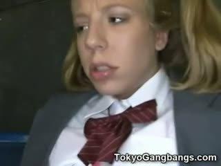 الآسيوية حافلة perverts في أبيض في سن المراهقة!