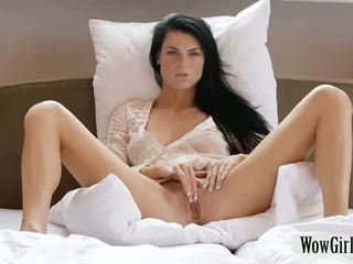 Cantik margot masturbates dengan yang dildo/ alat mainan seks