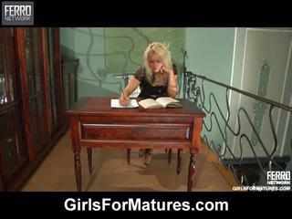 Tüdrukud jaoks küpseb kogumik koos juliet, alana, nora