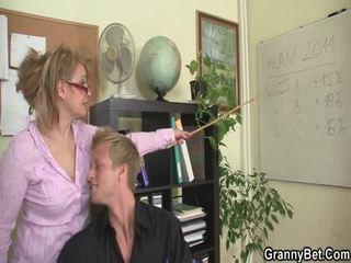 Sleaze kantor screwing tidak jauh dari berumur female