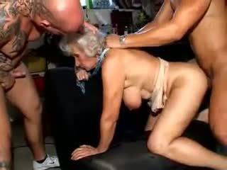 おばあちゃん norma: フリー 成熟した ポルノの ビデオ a6
