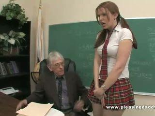 Sinh viên fucks khó chịu xưa giáo viên đến vượt qua lớp