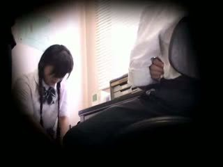 Blackmailed innocent koulutyttö