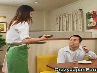 Божевільна порно з японська waitresses!