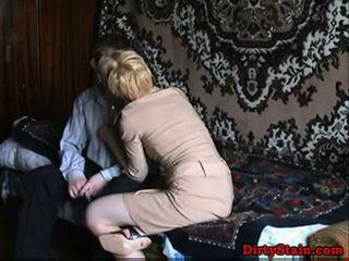 Lonely mamma fuckes sons venn i hjemmelagd video