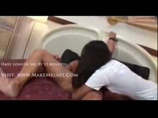 Nyomi marcela nailed uz a medmāsa kostīms