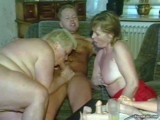 Lola pangtatluhang pagtatalik: real lola pornograpya pornograpya video 4f