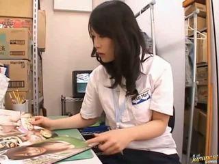 Японки av модел сладурана азиатки момиче