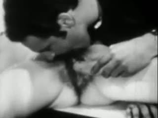Lust at ang saging: Libre antigo pornograpya video ea