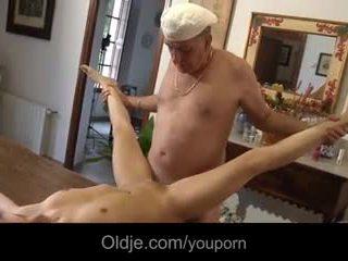 2 retired oldmen fucks 十代の若者たち で 休暇