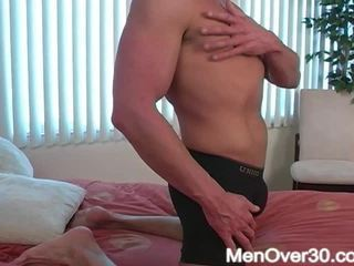 moški, off, 30