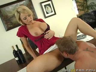 Estrella porno sweethearts tener sexo younger lads