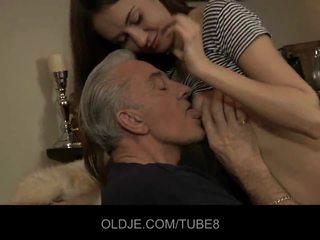 Teeny babe having dubur seks dengan lama guy