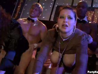 Groupe sexe sauvage patty à nuit club