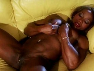 Gara muscle female masturbate video