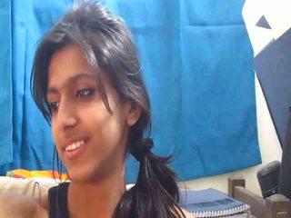 Non-nude nxehta indiane shkollë vajzë në kamera kompjuterike - desibate*
