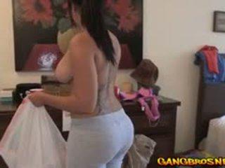 若い キューバの 女の子 offers 彼女の サービス