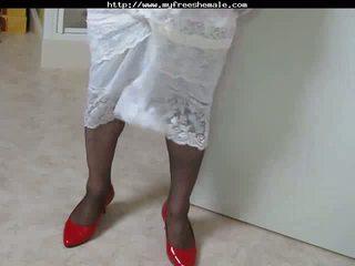 Crossdresser 在 紅 鞋 cumming