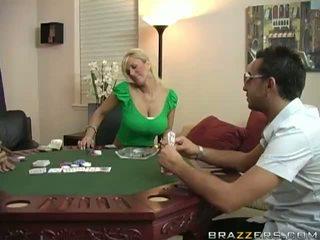 Shyla stylez våt fittor körd hård på poker bord video-