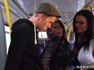 Bus rammen voor sexy meisjes madison ivy en ja