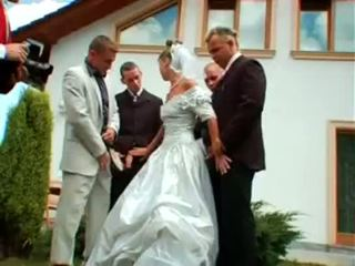wedding, ในทวีปยุโรป, การสนุกสนานกันอย่างเป็นบ้าเป็นหลัง