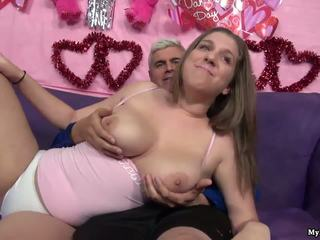 Sexy brunette alex chance gets son chatte fingered