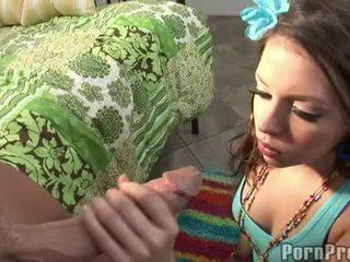 Wang würgen floozy missy stein receives sie mund spooned aus von ein destructive ramdong