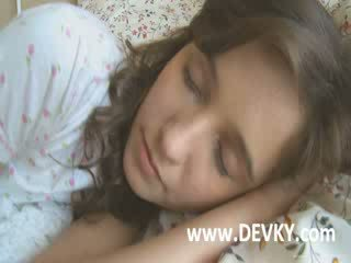 Makea nukkuva venäläinen tyttö banged kova