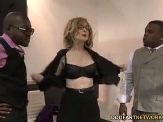 Nina hartley fucks 黑色 guys 为 votes