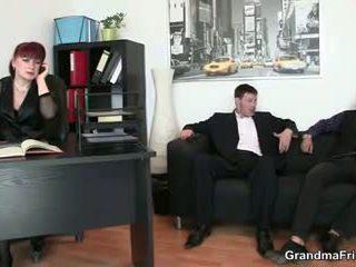 Kontoris küpsemad lipakas ratsutamine riist pärast riist imemine: porno 8c