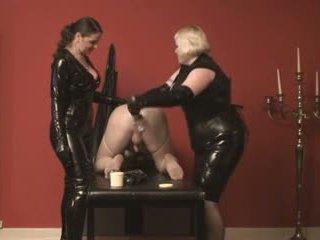 Lányos szolga fisted által 2 mistresses