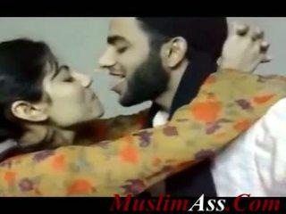 Pakistańskie całowanie klips