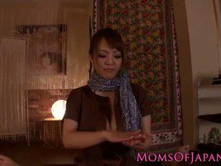 Hitomi tanaka gives malibog pov masahe