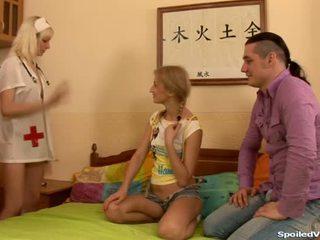 Virgin having trojice pohlaví