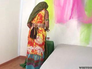 아름다운 인도의 아내 빨기 muscle 음경