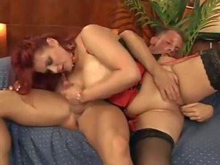 bruneta, bigtits, velká prsa