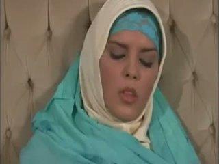 Arab muslim ด้วย ดี นม gets ระยำ doggy สไตล์