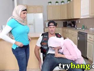 Arab mia khalifa & juliana vega स्टेपमोंम 3way
