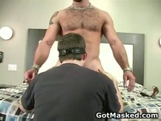 Sexy gay god stripping e segarsi 26 da gotmasked