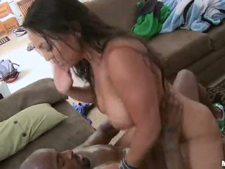 Sexy mom aku wis dhemen jancok adriana lima fucked hard by a ireng jago video
